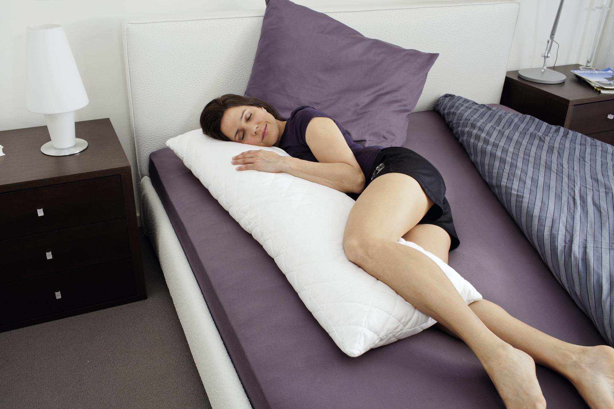 Seitenschläfer-Kissen bequem auf der Seite schlafen
